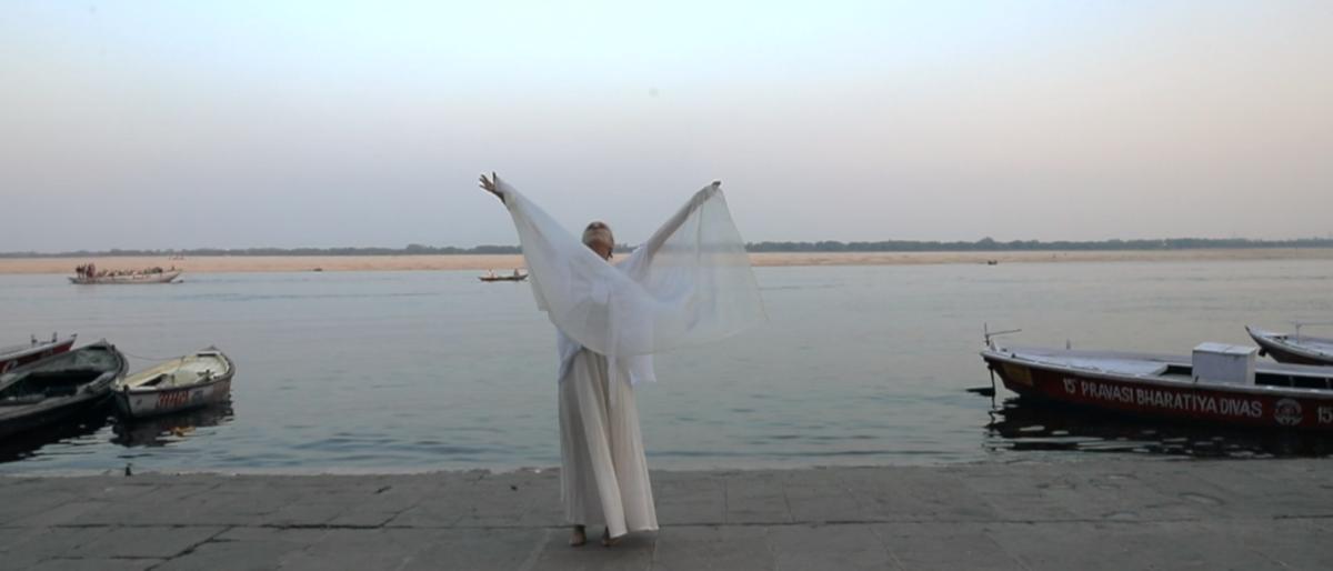 Permalien vers:Invocation au Gange, danse-prière de Poumi …